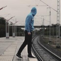 Hoodies/Sweatshirt